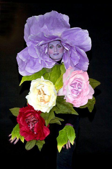 Девушки-цветы всегда эффектны