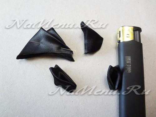 треугольники из черной ленты