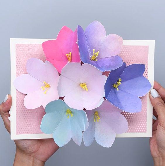 Объемные цветы внутри открытки своими руками