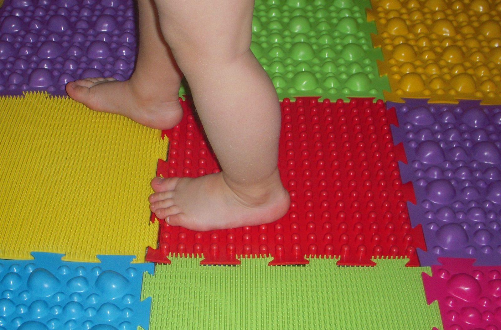 коврик с разной поверхностью