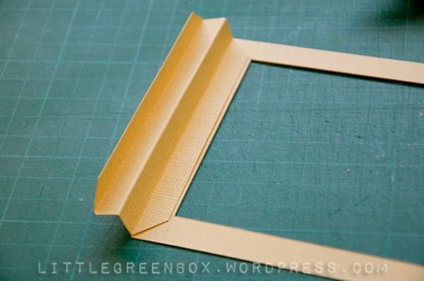 Приклеиваем зигзаги к рамке с двух сторон