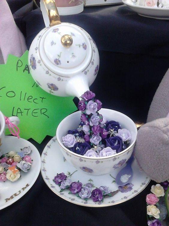 Заварочный чайник с цветами