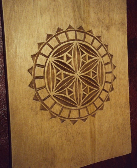Мастер-класс Геометрическая резьба по дереву на разделочной доске