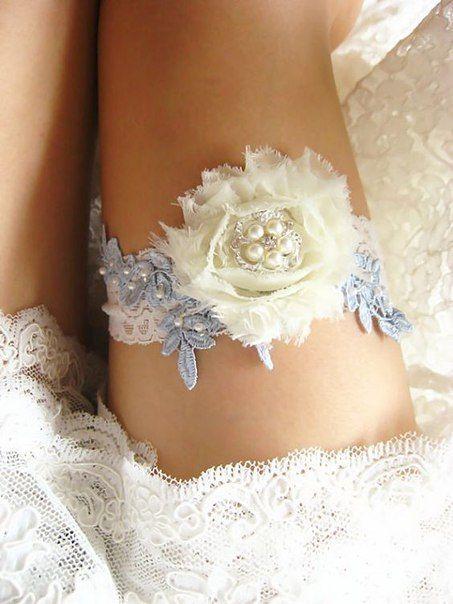 Подвязка невесты с розой