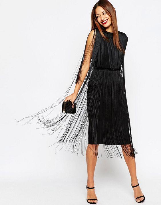 Платье с бахромой длины миди