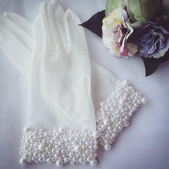 короткие перчатки невесты