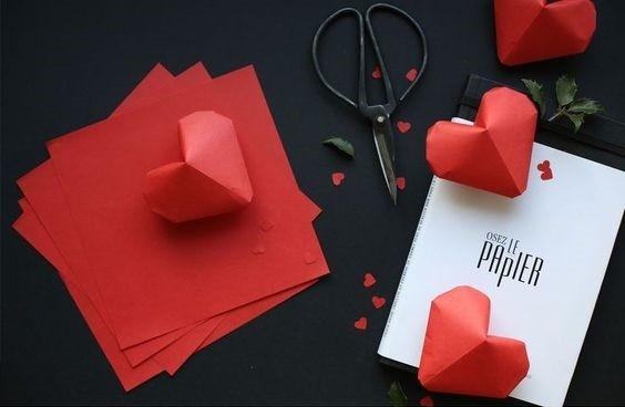 Милые сердечки из бумаги