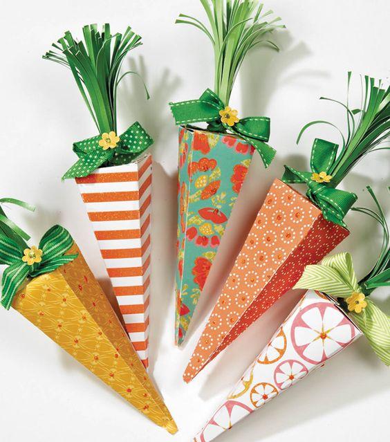 яркая морковка из бумаги