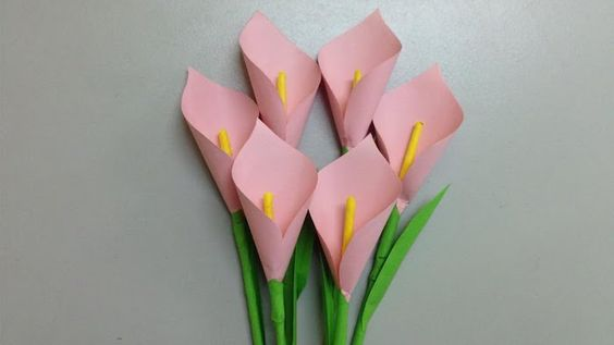 каллы из розовой бумаги