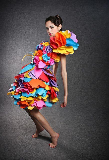цветное бумажное платье
