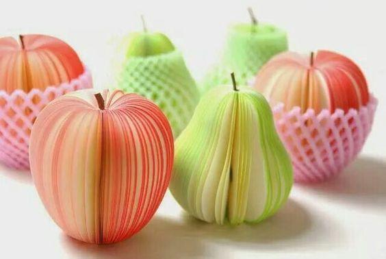 книжка из груш и яблок