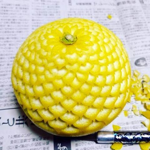 Карвинг на кожуре лимона