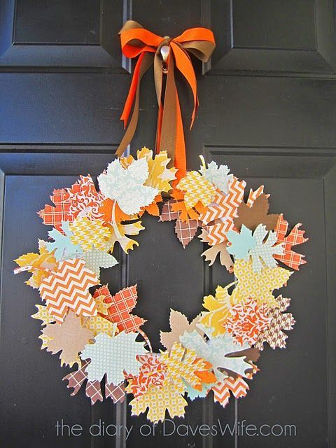 Венок из бумажных листьев