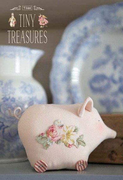 свинка-тильда с цветами