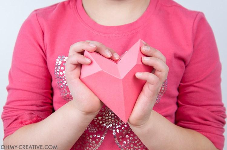 большеи сердечки объемные