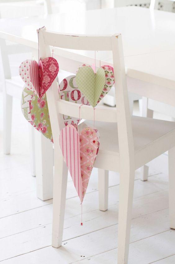 Милое украшение стула