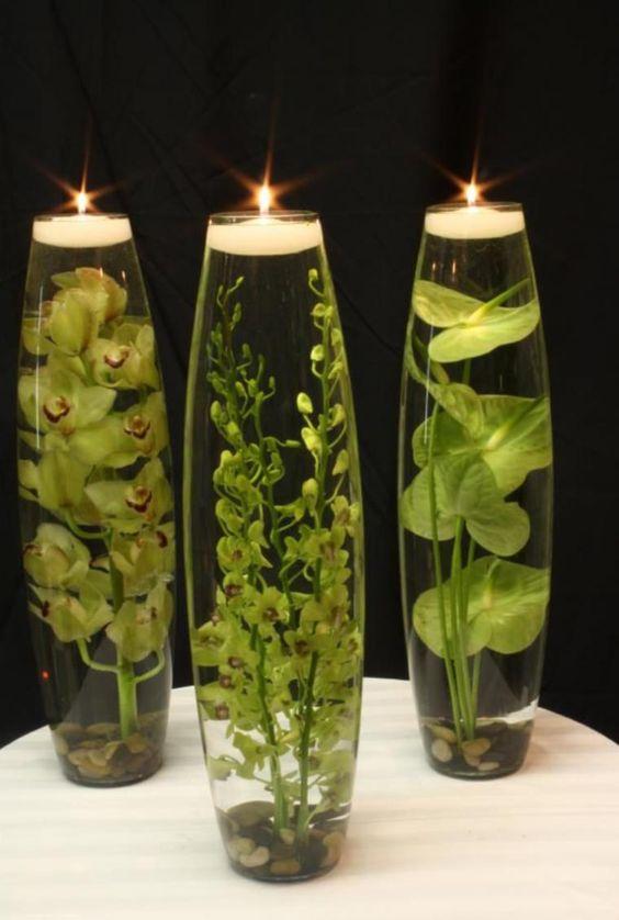 Зеленые ветки и свечи