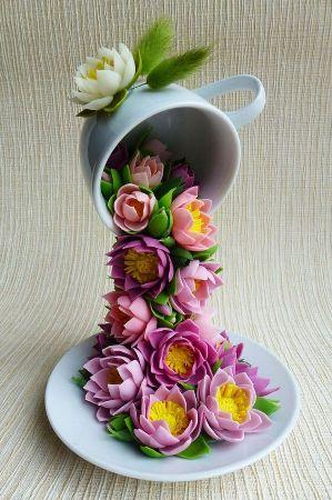 Парящая кружка с цветами из фоамирана