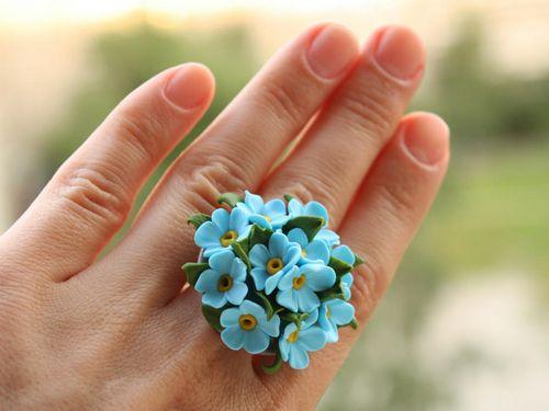 Кольцо с цветами из фоамирана