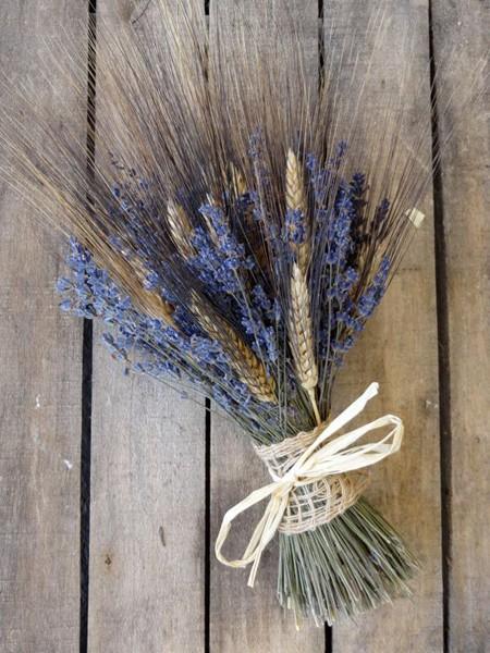 Букет из лаванды и колосьев пшеницы