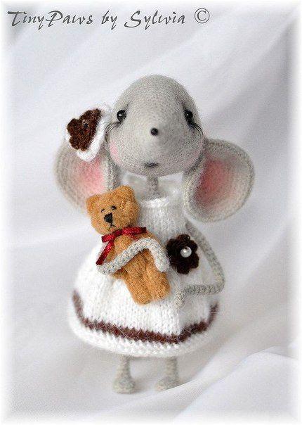 мышь в платьице