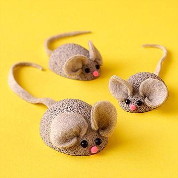 Мыши из пенопластовых шаров